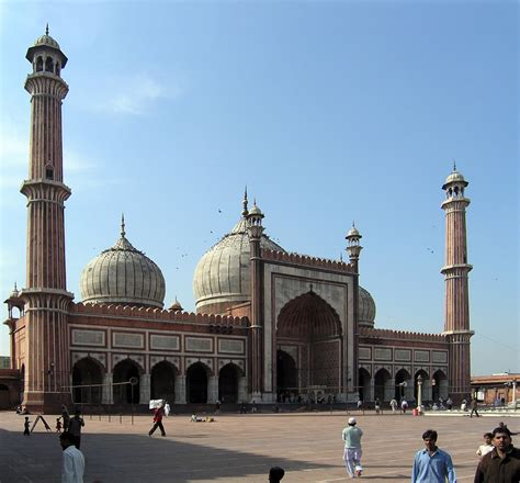 File:Jama Masjid is the largest mosque in India