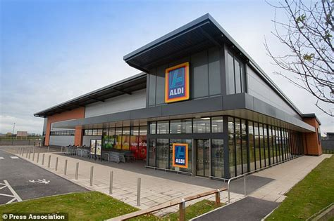 Aldi pulls packs of mixed veg from shelves after woman