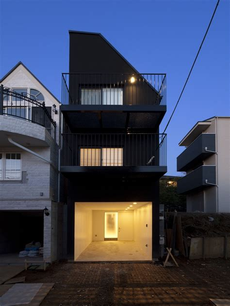 House Contrast / Key Operation   ArchDaily